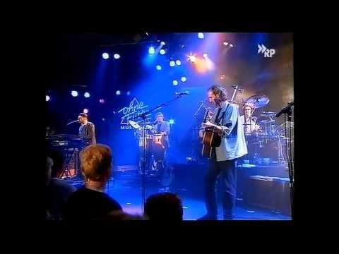 mike-and-the-mechanics-all-the-light-i-need-live-99-subtitulada-al-espanol-collinstestify81