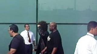 Carlito en el aeropuerto - WWE SMACKDOWN Roud to Wrestlemania 25 TOUR Perú