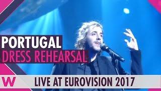 """Portugal: Salvador Sobral """"Amar Pelos Dois"""" grand final dress rehearsal @ Eurovision 2017"""