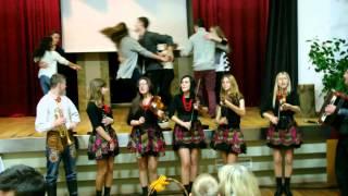 Młodzieżowa Muzyka Podegrodzie - winko pije