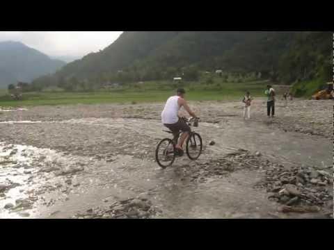 Video – Cycling around Pokhara Lake in Nepal