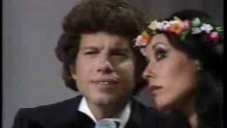 """Yardena Arazi & Mike Burstein """"Tumbalalayka"""" 1979 ירדנה ארזי ומייק בורשטיין"""