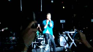 Conor Maynard - Crew Love (Drake ft. The Weeknd cover) [Live in Toronto]