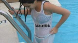 Sexy Daughter of a Pakistani Celebrity **Swimming Pics** - Bachi Lover [ Pakistan ]