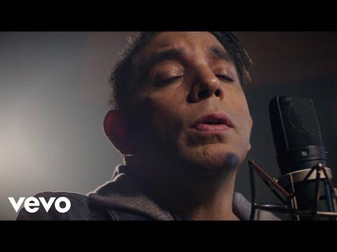No Desmayes Corazon de Edgar Lira Letra y Video