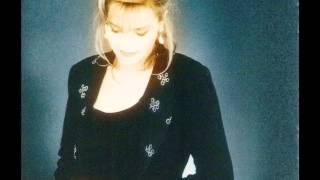 """Linda De Suza """"Le Coeur Silence"""""""