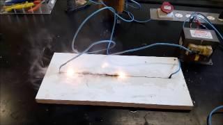 Corrente elétrica sobre MDF
