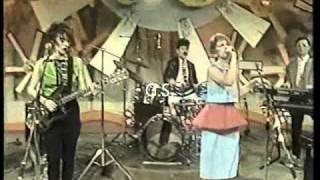 Viudas e Hijas de Roque Enroll - Hawaian II - Live Tv 1986