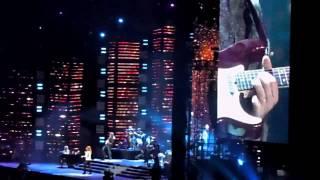 "Reba McEntire - ""I Keep On Loving You"" Live"