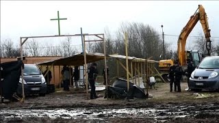 'Mosque', 'church' destroyed in Calais 'Jungle' clean-up