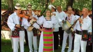 Victoria Mihai - Ceteras cu brau de lană