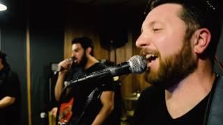Dirty Deeds Done Dirt Cheap (AC/DC) - Pópulo Bárbaro em gravação ao vivo
