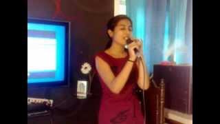 devanshi gadhvi rocks - the best singer ever !! hamein tumse pyar kitna.. wat a feelings..! :)