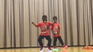 Les twins (7 year old Twins) ttrndsttr Black Coast (Cover)