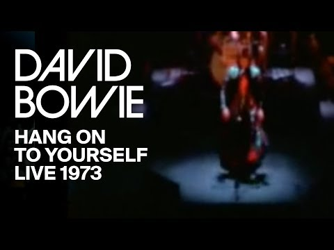 david-bowie-hang-on-to-yourself-live-hammersmith-1973-david-bowie