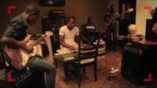 Répétition de la Soeur Sandra Mbuyi pour le concert bana Congo