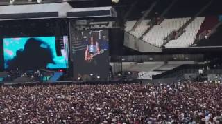 Guns N' Roses estranged live london 2017