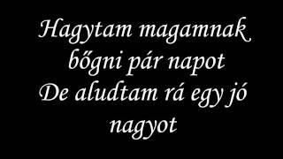 HONEYBEAST -  Védtelen Lyrics