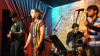 Contradança - Casa7 no Bar Ao Vivo Music em São Paulo-SP