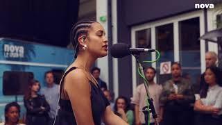 Jorja Smith - Blue Lights | Plus Près de Toi - Nova.fr