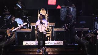 Romeo Santos: La Diabla (En Vivo en GEBA) / TKM
