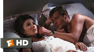 Live and Let Die (2/10) Movie CLIP - Tarot Card Lovers (1973) HD