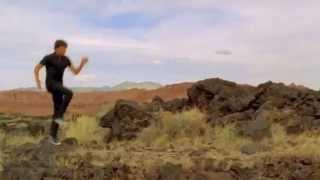High School Musical meets Frozen (feat. Zac Efron and Idina Menzel)