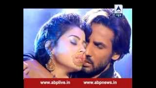 Ravi and Devika get romantic as Devika confesses her love to Ravi width=