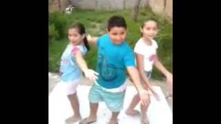 Mexe,mexe (clipe Cover) Jamile & Vinicius & Sarah.
