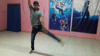 Best contemporary  dance step of mile ho tum hum ko bade naseebo se