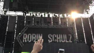 Robin Schulz Play Show Me Love (EDX's Indian Summer Remix) live @ RTU Taiwan