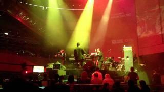 Amor Electro - Arena Live 2011
