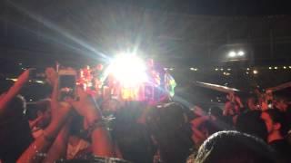 Under Pressure (Queen cover) - Foo Fighters (Maracanã, RIO 2015)