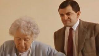 Mr Bean - Taking the stairs -- Die Treppe nehmen