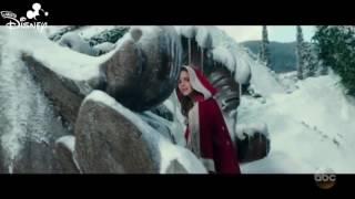 La Bella e la Bestia (2017) - Uno Sguardo D'amore - CLIP IN ITALIANO