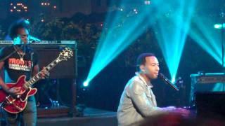 "John Legend & The Roots Perform ""Green Light"" (LIVE)"