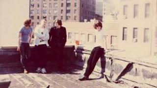 Arctic Monkeys - Crying Lightning Sirius XMU Acoustic Session 2009