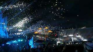 (project)H-R1 super confetti machine being used in music festival