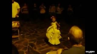 Niña bailando Bomba Puertorriqueña