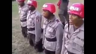 VIRAL Jutaan Orang Tertawa Terpingkal Pingkal Karena Video Polisi Ini