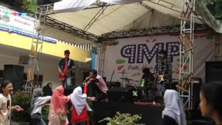 Charlie Puth ft Selena Gomez - We don't talk anymore Live at SMK Pelita Tiga (MISSING LOVE COVER)