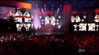 Justin Bieber - Beauty And A Beat ft Nicki Minaj (En vivo)