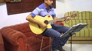 "Waschington interpretando ""Esse Cara Sou Eu - Roberto Carlos"""