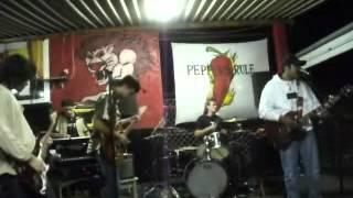Rock das aranhas - Mato virgem ( Live in Leão lanches 17/03/2012 )