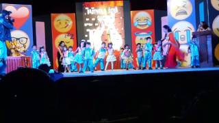 Phoolo ka taro ka sabka kahna hai../ honey ..first stage performance...
