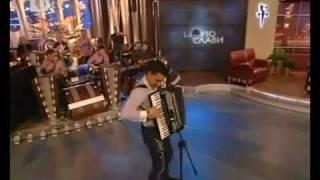 Борис Дали Свири на акордеон