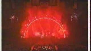 "Pink Floyd ""One Of These Days"" live 1994 flying pigs ending"
