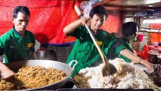 Indonesian Street Food - GIANT Fried Rice in Jakarta, Indonesia (Nasi Goreng Kambing Kebon Sirih)!