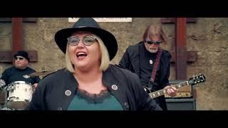 Madlen - Na raz (Official Video)