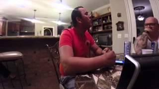 Carlos Sarabia cantando la clave privada